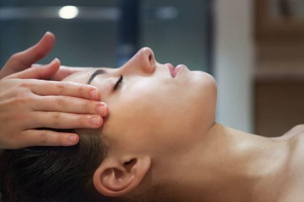 Massage bien-être ayurvédique anti-stress détente relaxation soin spa intuitif Calm Inspirations Marquette lez lille