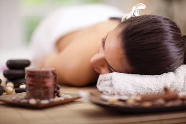 Massage bien-être californien balinais hawaïen lomi-lomi bougie soin détente relaxation reiki Calm Inspirations Lille Marquette lez lille