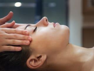 Rituel de soins Massage ayurvédique bien-être intuitif visage corps relaxation détente anti-stress soin spa Calm Inspirations Marquette lez lille