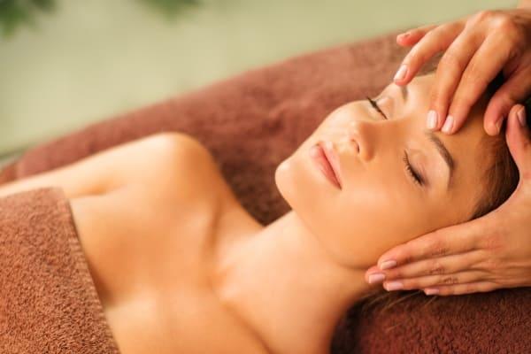 Soin visage anti-âge time interceptor massage relaxation bien-être soin spa Calm Inspirations Marquette lez lille